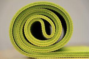 Gymnastikmatte als Bodenbelag für Fitnessraum oder Homegym